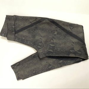 Rock & Republic Pants & Jumpsuits - Rock & Republic Snake Print Leggings